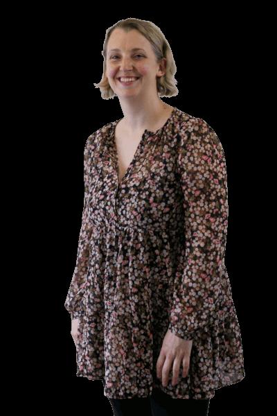 Portrait of Dr Bronwen Thomas